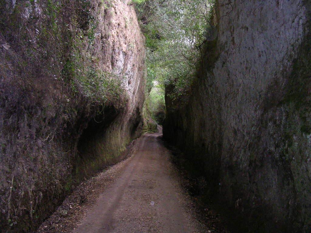 lungo la via cava