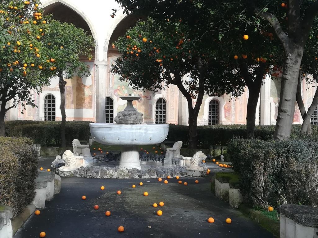 chiostro di Santa Chiara a Napoli