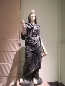 Iside. Museo archeologico di Napoli